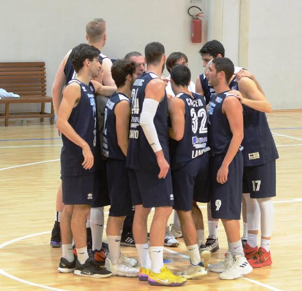 https://www.basketmarche.it/immagini_articoli/01-02-2019/capolista-unibasket-lanciano-attende-visita-vigor-matelica-600.jpg