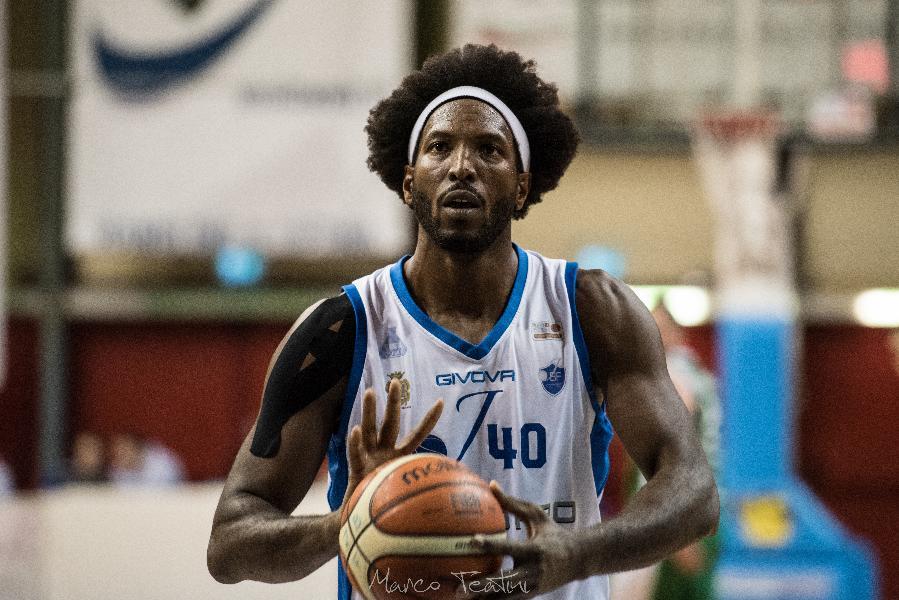 https://www.basketmarche.it/immagini_articoli/01-02-2019/janus-fabriano-vince-convince-porto-sant-elpidio-soddisfatto-coach-fantozzi-600.jpg