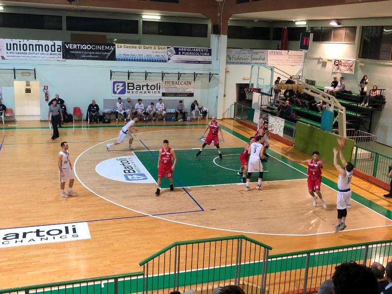 https://www.basketmarche.it/immagini_articoli/01-02-2020/pallacanestro-urbania-passa-autorit-campo-bartoli-mechanics-600.jpg