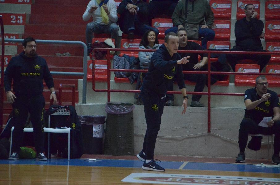 https://www.basketmarche.it/immagini_articoli/01-02-2020/sutor-montegranaro-coach-ciarpella-senigallia-dovremo-fare-grande-prestazione-partita-molto-attenta-600.jpg