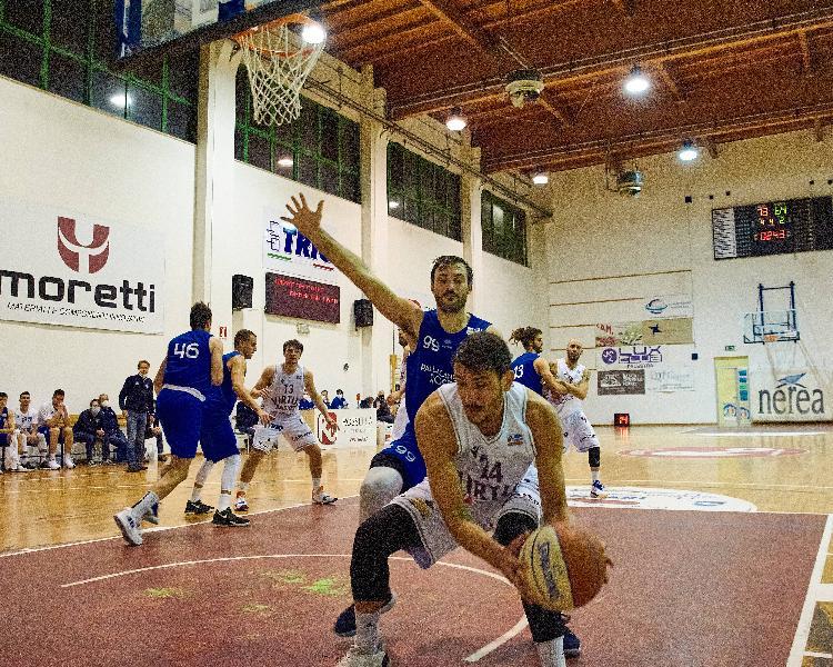 https://www.basketmarche.it/immagini_articoli/01-02-2021/virtus-civitanova-rimangono-solo-applausi-pallacanestro-roseto-prende-punti-volata-600.jpg