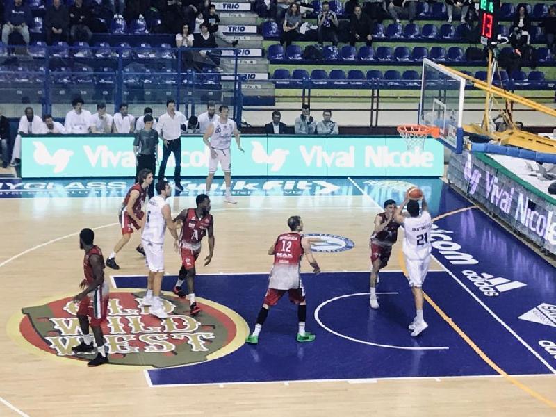 https://www.basketmarche.it/immagini_articoli/01-03-2019/pagelle-fortitudo-bologna-biella-rosselli-hasbrouck-mancinelli-sugli-scudi-600.jpg