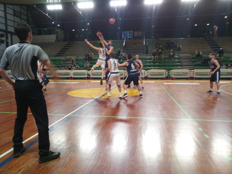 https://www.basketmarche.it/immagini_articoli/01-03-2020/atomika-spoleto-conquista-vittoria-fila-basket-gubbio-600.jpg
