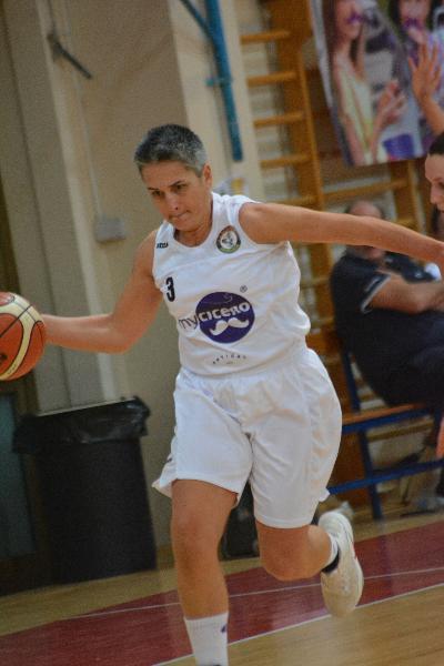 https://www.basketmarche.it/immagini_articoli/01-04-2019/basket-2000-senigallia-impone-blubasket-spoleto-avvicina-promozione-600.jpg