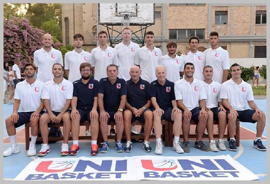 https://www.basketmarche.it/immagini_articoli/01-04-2019/isernia-basket-lotta-fine-capolista-unibasket-lanciano-festeggiare-600.jpg