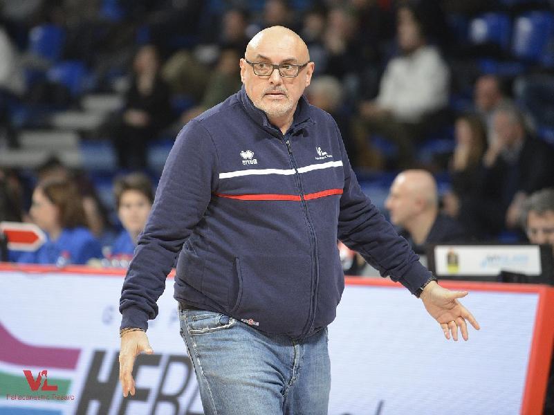 https://www.basketmarche.it/immagini_articoli/01-04-2019/vuelle-pesaro-coach-boniciolli-enorme-grazie-nostro-pubblico-giocando-possiamo-farcela-600.jpg