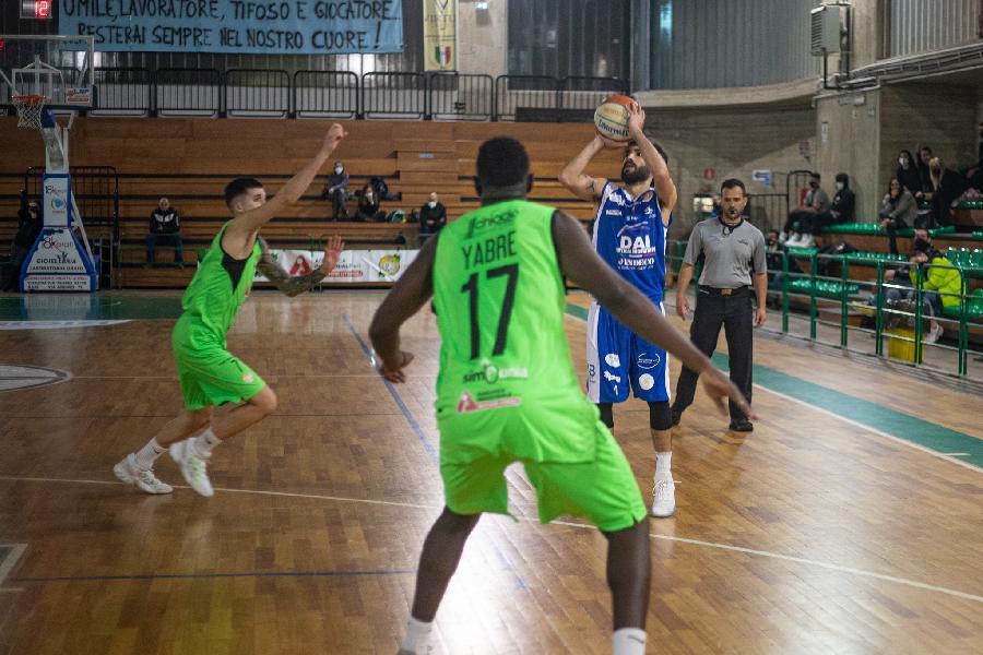 https://www.basketmarche.it/immagini_articoli/01-04-2021/virtus-molfetta-impegnata-difficile-trasferta-campo-mola-basket-2012-600.jpg