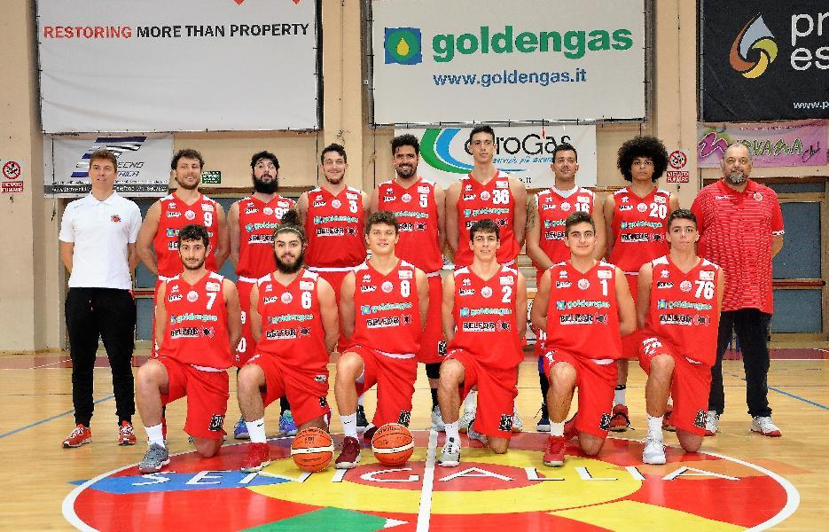 https://www.basketmarche.it/immagini_articoli/01-05-2019/serie-playoff-virtus-arechi-salerno-concede-elimina-pallacanestro-senigallia-600.jpg