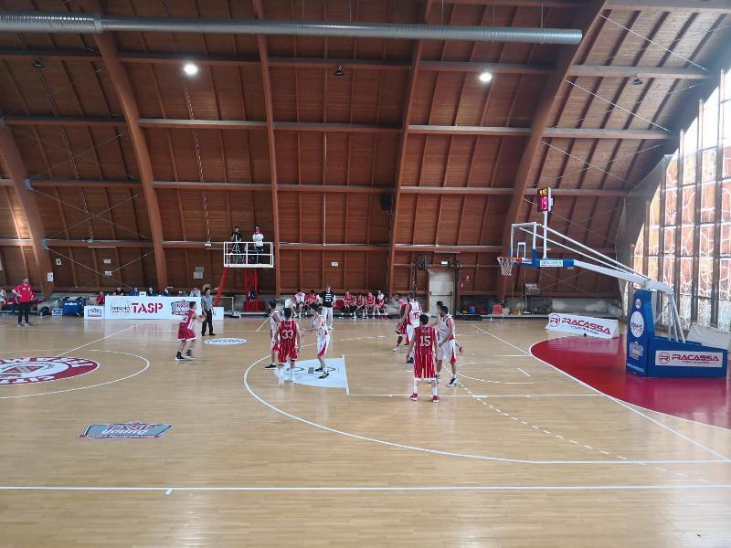 https://www.basketmarche.it/immagini_articoli/01-05-2019/silver-playoff-presentazione-teramo-spicchi-basket-todi-statistiche-parole-allenatori-600.jpg