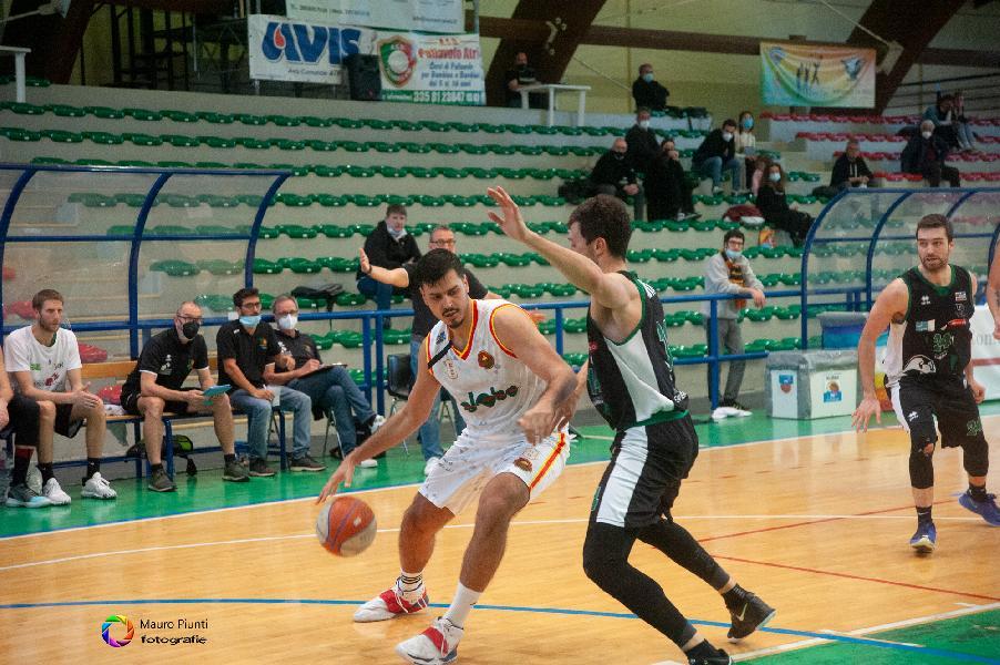 https://www.basketmarche.it/immagini_articoli/01-05-2021/giulia-basket-giulianova-sfida-tramarossa-vicenza-tanti-600.jpg