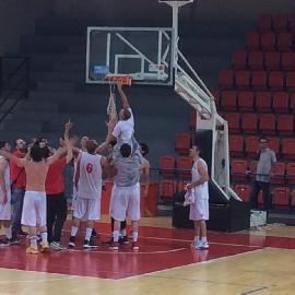 https://www.basketmarche.it/immagini_articoli/01-06-2018/d-regionale-playoff-finali-il-basket-tolentino-è-promosso-in-serie-c-silver-270.jpg
