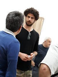 https://www.basketmarche.it/immagini_articoli/01-06-2018/fase-nazionale-c-luca-vitali-a-montegranaro-a-tifare-sutor-davanti-al-maxischermo-270.jpg