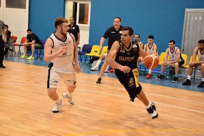 https://www.basketmarche.it/immagini_articoli/01-06-2018/fase-nazionale-c-sutor-montegranaro-il-cuore-non-basta-alla-fine-vince-san-nicola-270.jpg