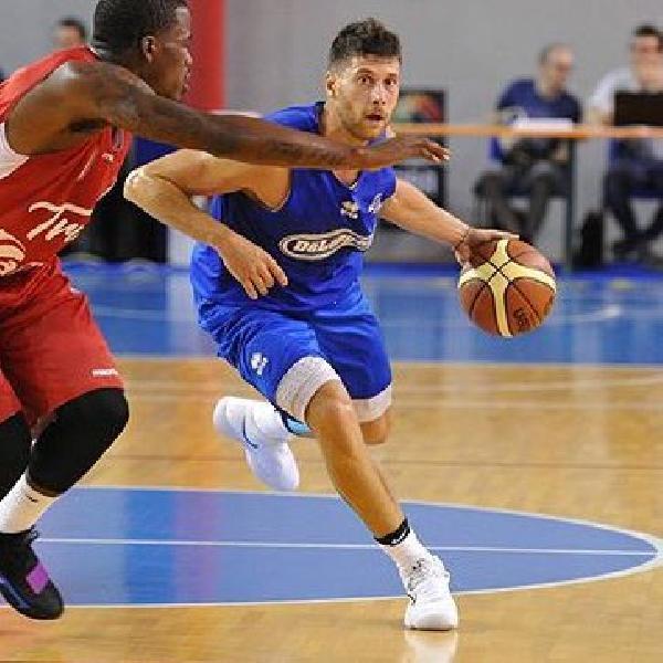 https://www.basketmarche.it/immagini_articoli/01-06-2021/pallacanestro-brescia-firma-vicina-esterno-matteo-imbr-600.jpg