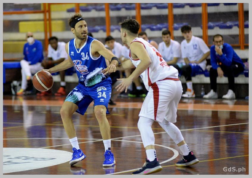 https://www.basketmarche.it/immagini_articoli/01-06-2021/pescara-basket-atteso-derby-amatori-pescara-1976-turno-infrasettimanale-600.jpg