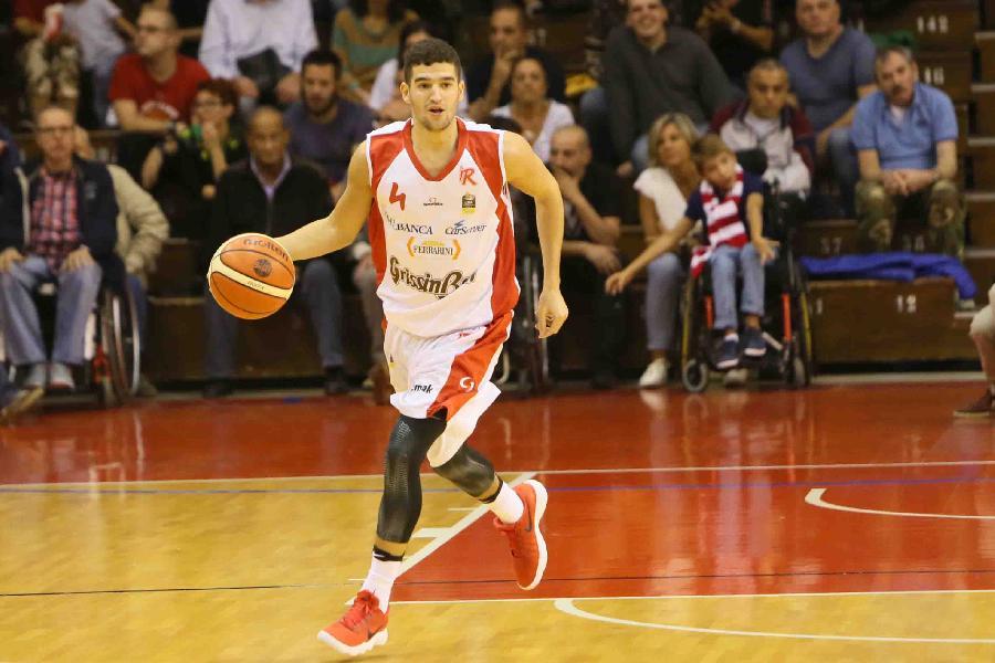 https://www.basketmarche.it/immagini_articoli/01-07-2019/obiettivo-radar-vuelle-pesaro-biancorossi-puntano-play-federico-mussini-600.jpg