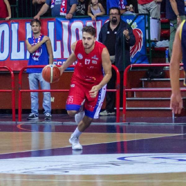 https://www.basketmarche.it/immagini_articoli/01-07-2019/ufficiale-pivot-edoardo-maresca-giocatore-lions-bisceglie-600.jpg