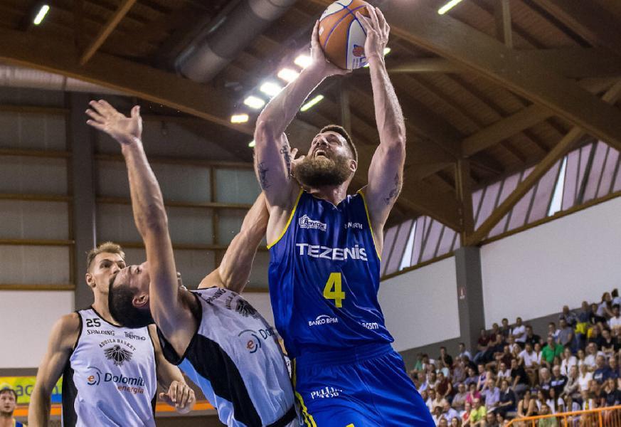 https://www.basketmarche.it/immagini_articoli/01-07-2020/ufficiale-mitchell-poletti-giocatore-pistoia-basket-600.jpg