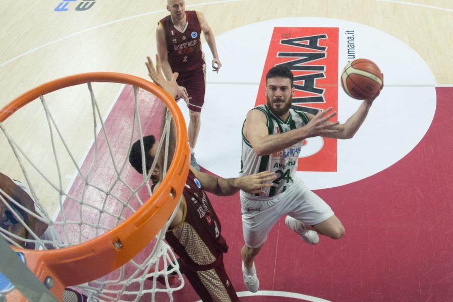 https://www.basketmarche.it/immagini_articoli/01-07-2020/ufficiale-reyer-venezia-annuncia-firma-lorenzo-dercole-600.jpg