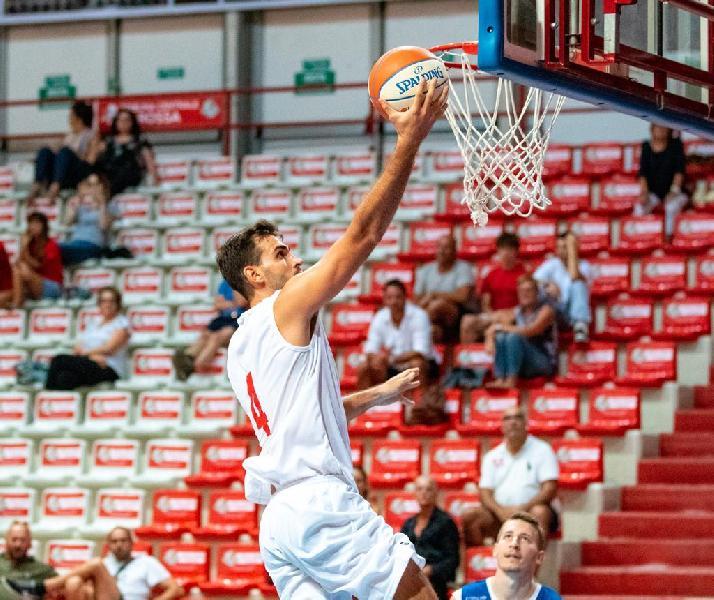 https://www.basketmarche.it/immagini_articoli/01-09-2019/prima-vittoria-amichevole-bakery-piacenza-lumezzane-volata-600.jpg
