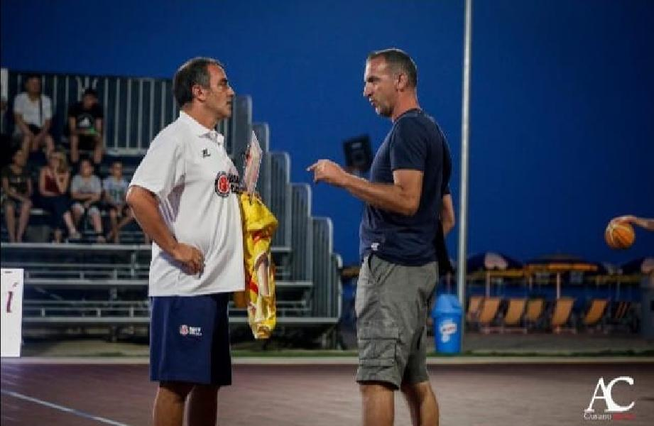 https://www.basketmarche.it/immagini_articoli/01-09-2019/ufficiale-alfredo-minora-vice-allenatore-olimpia-mosciano-600.jpg