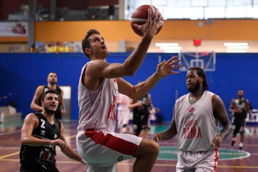 https://www.basketmarche.it/immagini_articoli/01-09-2019/virtus-roma-batte-oriora-pistoia-chiude-terzo-posto-trofeo-dukes-sansepolcro-600.jpg