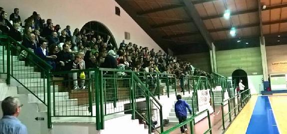 https://www.basketmarche.it/immagini_articoli/01-10-2017/serie-c-silver-sfortunato-esordio-per-la-pallacanestro-pedaso-contro-urbania-270.jpg