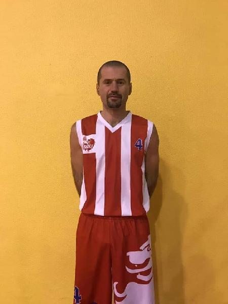https://www.basketmarche.it/immagini_articoli/01-10-2019/separano-strade-basket-durante-urbania-capitano-giorgio-morelli-600.jpg