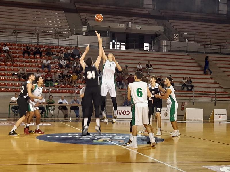 https://www.basketmarche.it/immagini_articoli/01-10-2019/under-stamura-ancona-paga-brutto-quarto-arrende-virtus-bologna-600.jpg