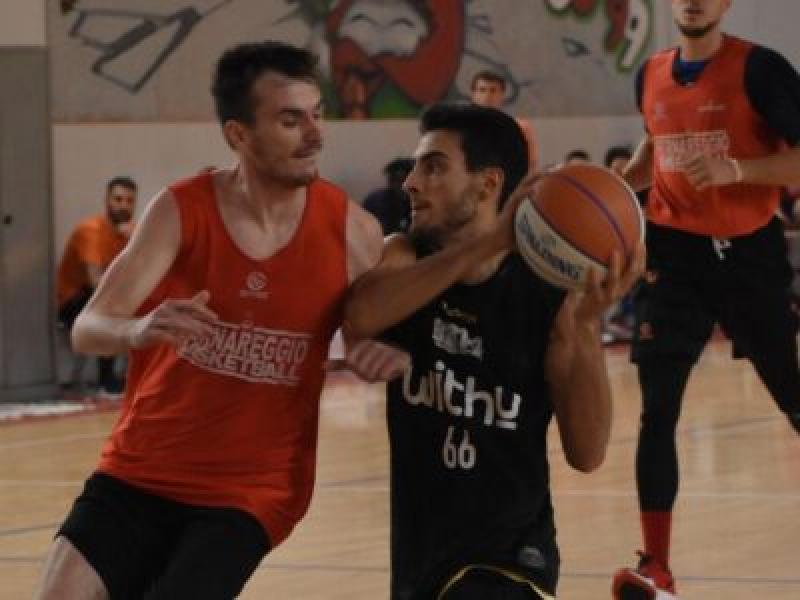 https://www.basketmarche.it/immagini_articoli/01-10-2020/bergamo-basket-passa-campo-bernareggio-amichevole-600.jpg