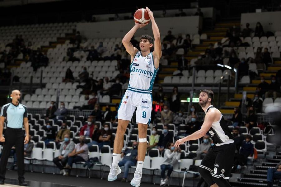 https://www.basketmarche.it/immagini_articoli/01-10-2020/pallacanestro-cant-attesa-esordio-interno-pesaro-600.jpg