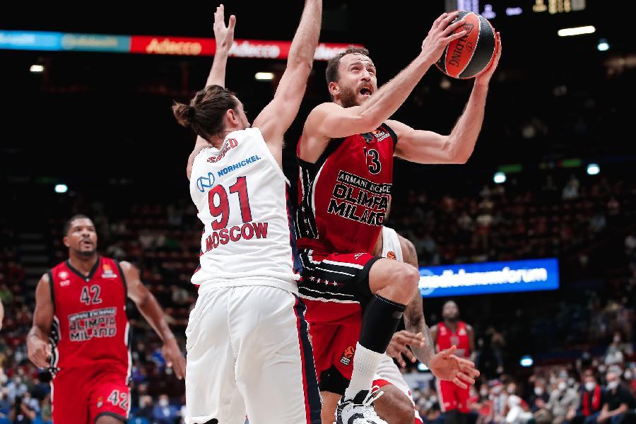 https://www.basketmarche.it/immagini_articoli/01-10-2021/euroleague-olimpia-milano-parte-migliore-modi-batte-cska-mosca-600.jpg