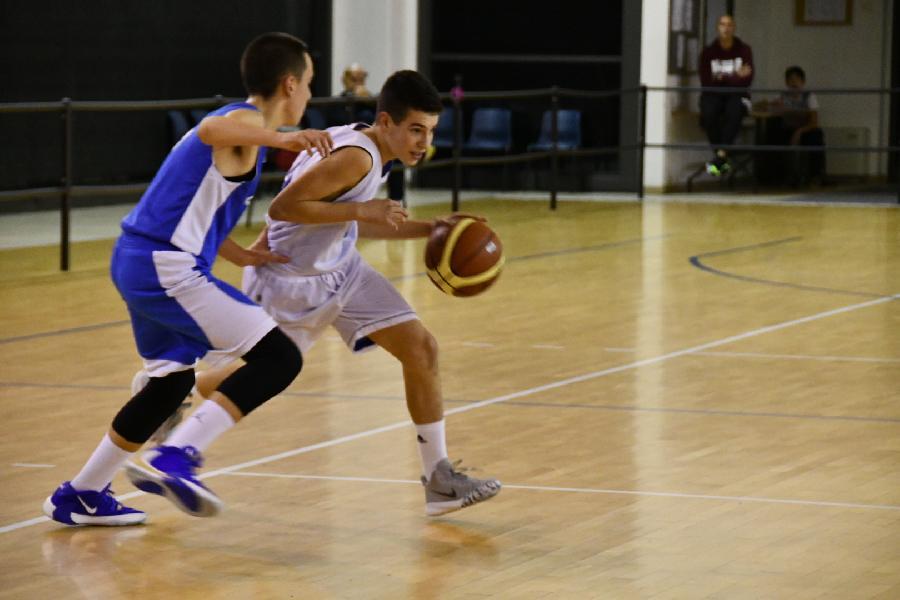 https://www.basketmarche.it/immagini_articoli/01-11-2019/under-umbria-lucky-wind-foligno-passa-campo-basket-passignano-600.jpg