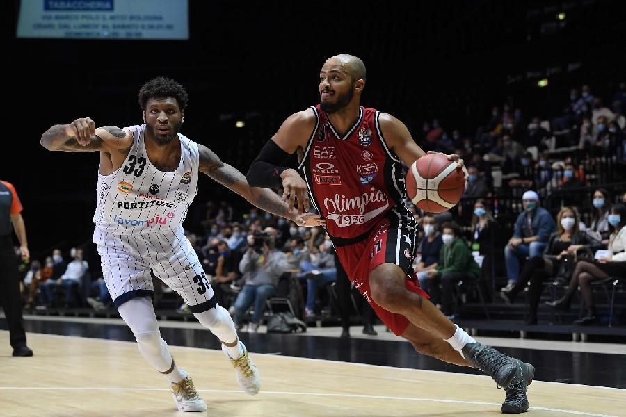 https://www.basketmarche.it/immagini_articoli/01-11-2020/milano-coach-messina-trento-squadra-dotata-talento-atletico-tecnico-600.jpg