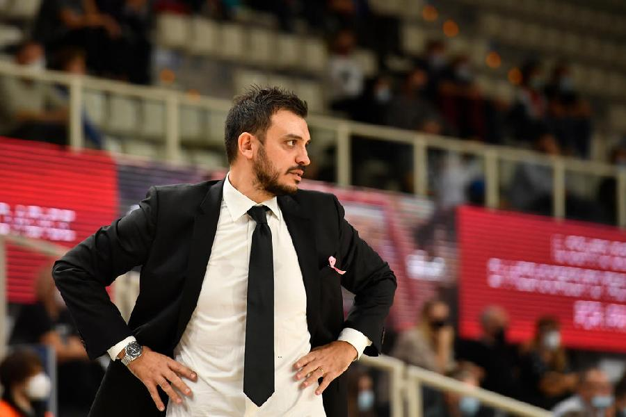 https://www.basketmarche.it/immagini_articoli/01-11-2020/trento-coach-brienza-settimana-complicata-sfida-milano-offre-grandi-stimoli-600.jpg