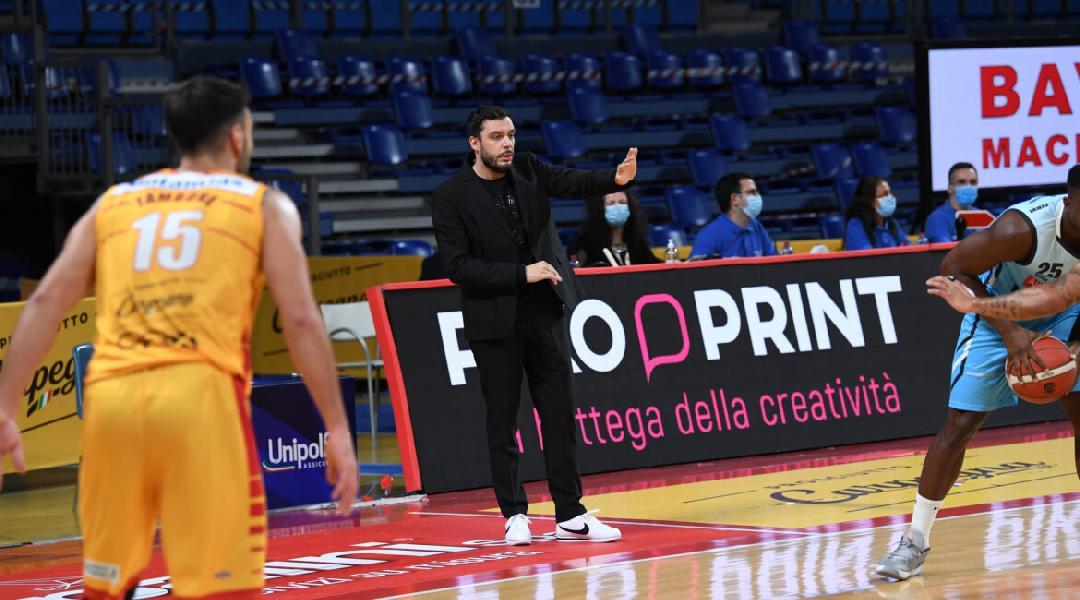 https://www.basketmarche.it/immagini_articoli/01-11-2020/vanoli-cremona-chiarisce-merito-dichiarazioni-coach-galbiati-600.jpg