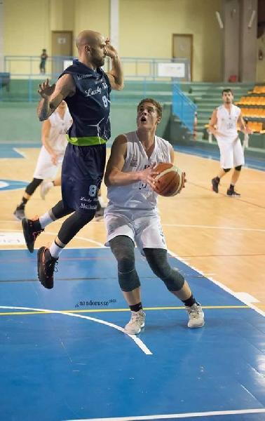 https://www.basketmarche.it/immagini_articoli/01-12-2018/altra-tegola-isernia-basket-ferma-anche-antonio-nezza-600.jpg