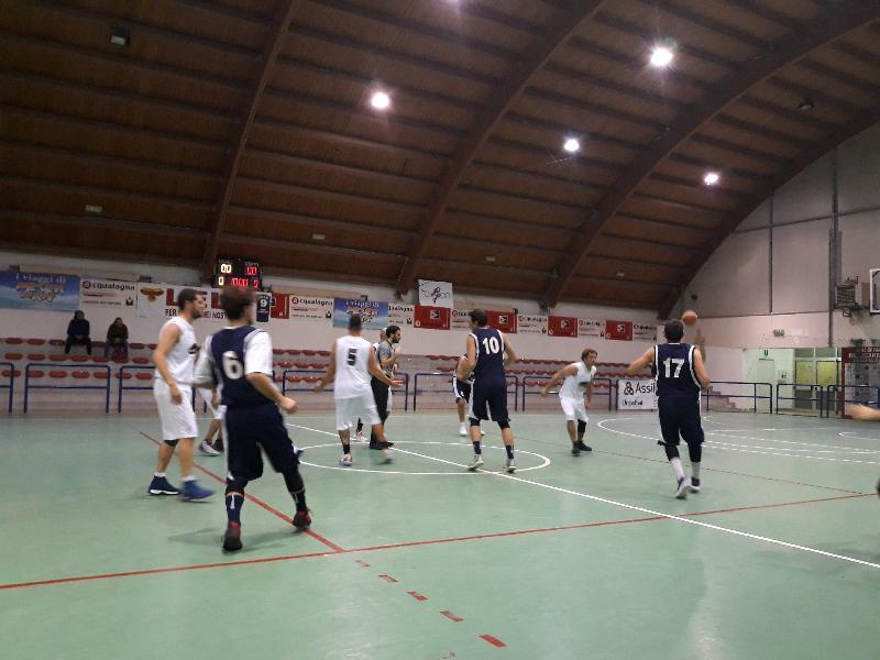 https://www.basketmarche.it/immagini_articoli/01-12-2018/marotta-basket-cinquina-passa-acqualagna-resta-imbrattuto-600.jpg