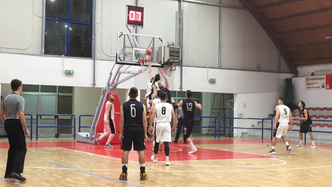 https://www.basketmarche.it/immagini_articoli/01-12-2019/basket-todi-conquista-convincente-vittoria-acqualagna-capolista-solitaria-600.jpg