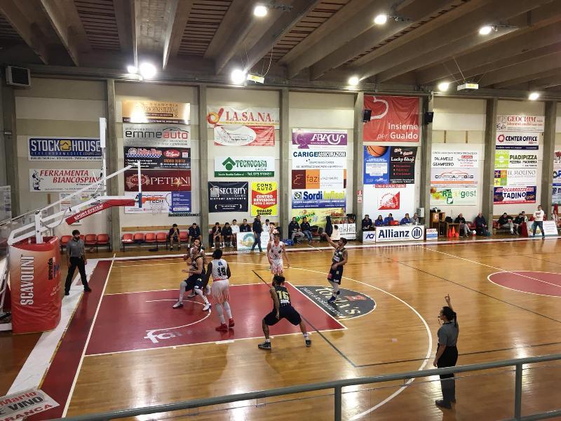 https://www.basketmarche.it/immagini_articoli/01-12-2019/marini-ancora-super-guida-basket-gualdo-vittoria-pallacanestro-recanati-600.jpg