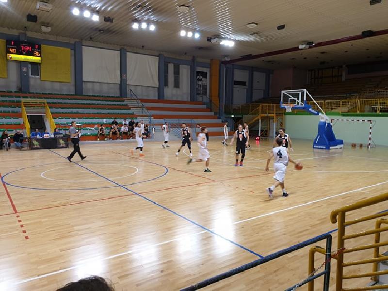 https://www.basketmarche.it/immagini_articoli/01-12-2019/supplementare-premia-falconara-basket-robur-osimo-600.jpg