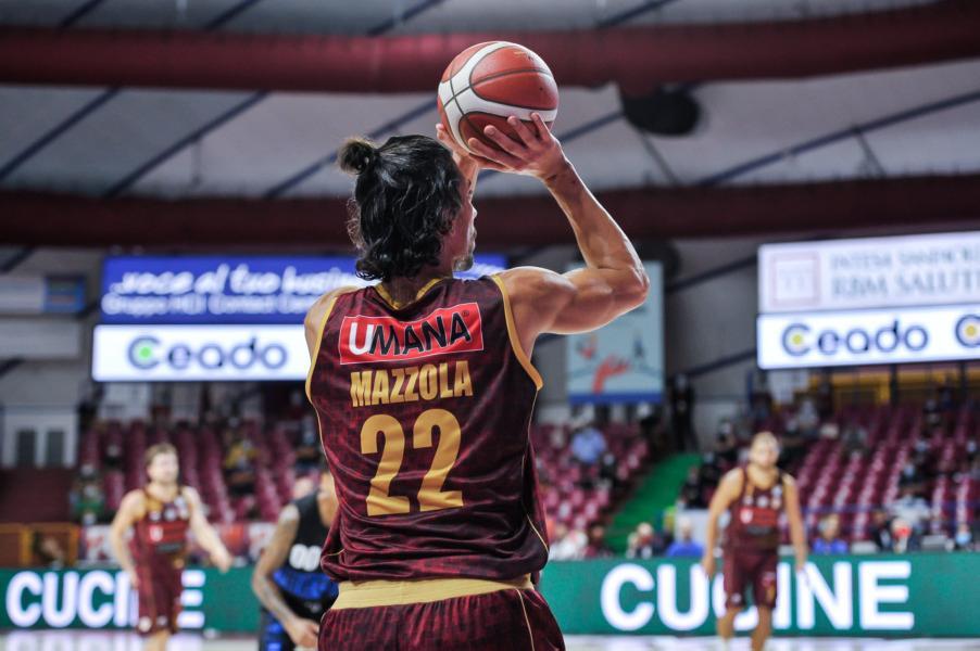https://www.basketmarche.it/immagini_articoli/01-12-2020/reyer-venezia-valerio-mazzola-ancora-prese-problema-muscolare-600.jpg