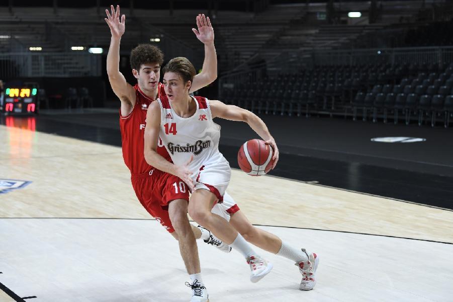 https://www.basketmarche.it/immagini_articoli/02-01-2020/next-pallacanestro-reggiana-supera-pistoia-basket-gara-esordio-600.jpg