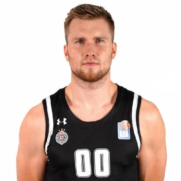 https://www.basketmarche.it/immagini_articoli/02-01-2021/pallacanestro-varese-piace-lungo-pesaro-eric-mika-600.jpg
