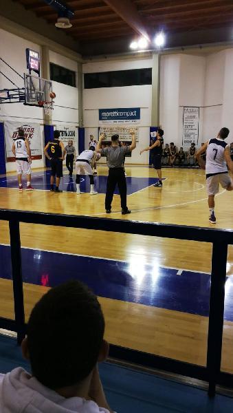 https://www.basketmarche.it/immagini_articoli/02-02-2019/basket-fanum-espugna-rimonta-campo-pesaro-basket-600.jpg