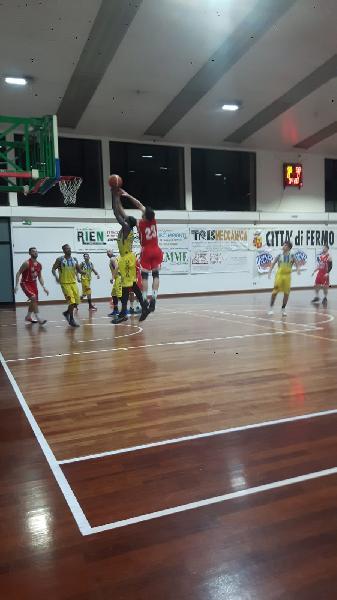 https://www.basketmarche.it/immagini_articoli/02-02-2020/amatori-severino-inarrestabile-campo-basket-fermo-arriva-decima-vittoria-consecutiva-600.jpg