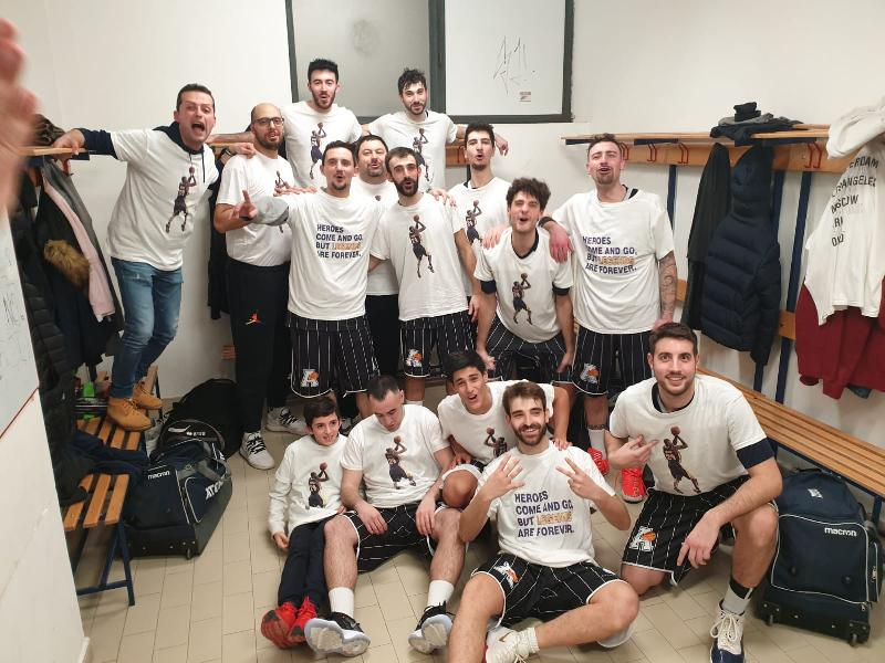 https://www.basketmarche.it/immagini_articoli/02-02-2020/atomika-spoleto-vince-nettamente-derby-giromondo-super-quarto-600.jpg