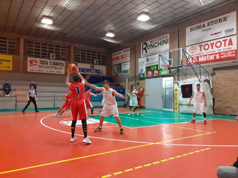 https://www.basketmarche.it/immagini_articoli/02-02-2020/basket-assisi-espugna-campo-favl-viterbo-conferma-primato-classifica-600.jpg