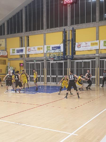 https://www.basketmarche.it/immagini_articoli/02-02-2020/basket-fanum-spunta-dopo-tempo-supplementare-camb-montecchio-600.jpg