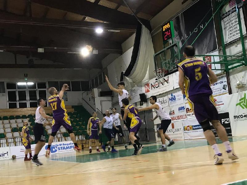 https://www.basketmarche.it/immagini_articoli/02-02-2020/crispino-basket-supera-storm-ubique-ascoli-600.jpg
